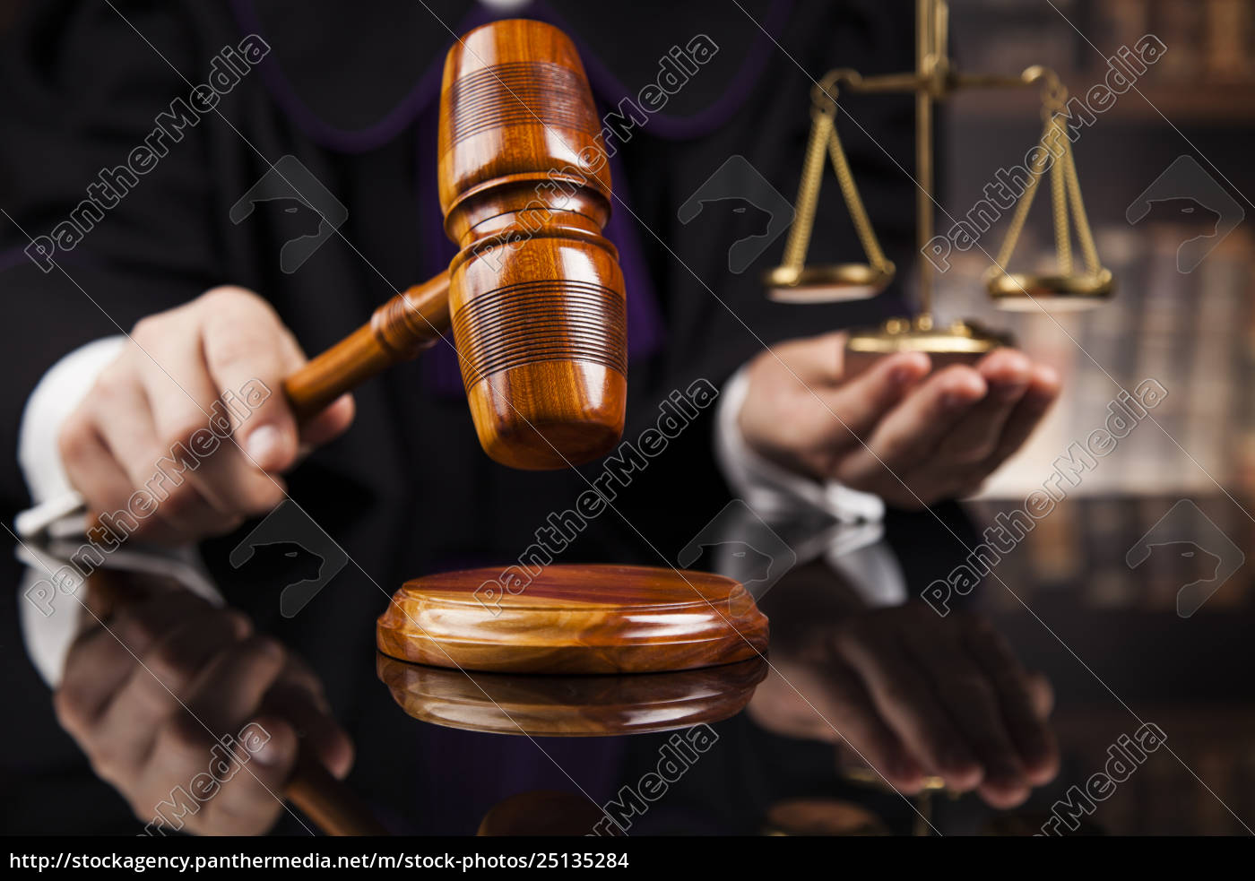 courtroom, , judge, , male, judge, in, black - 25135284