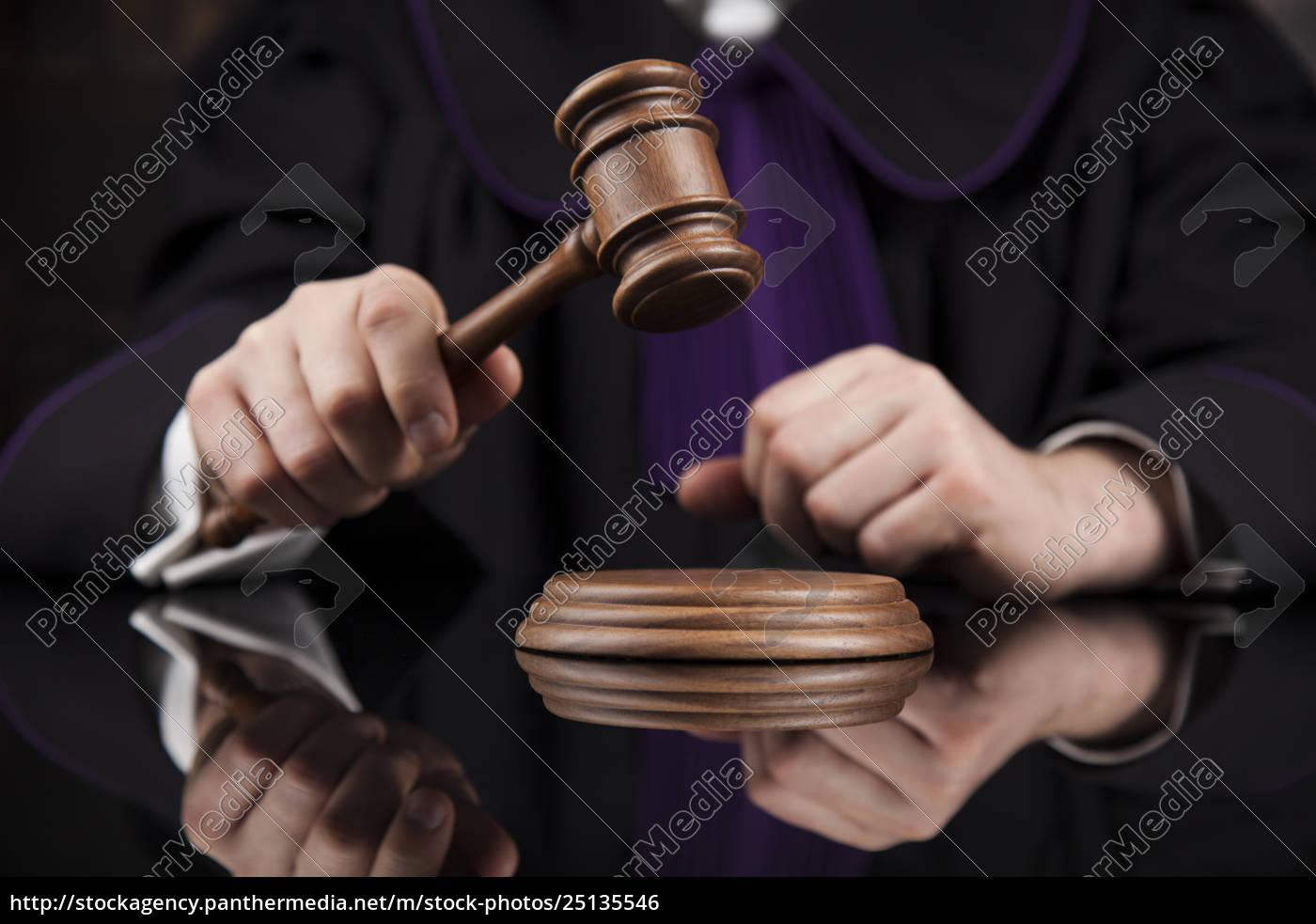 courtroom, , judge, , male, judge, in, black - 25135546