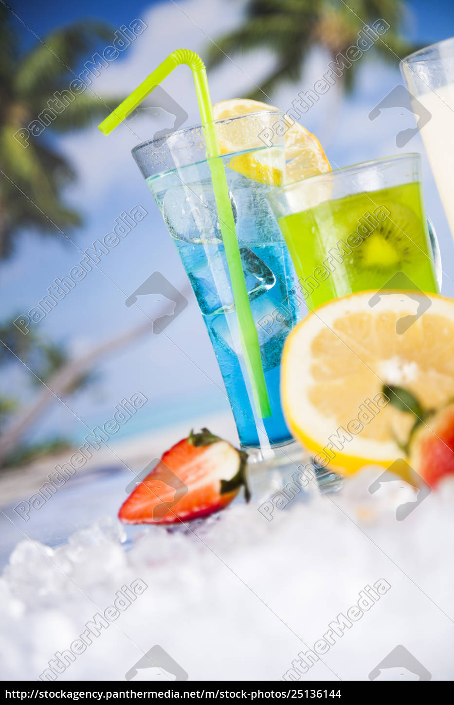 exotic, alcohol, drinks - 25136144