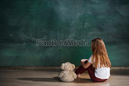 little, girl, with, teddy, bear, sitting - 25137320
