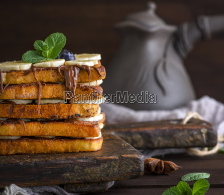 square fried bread slices with chocolate
