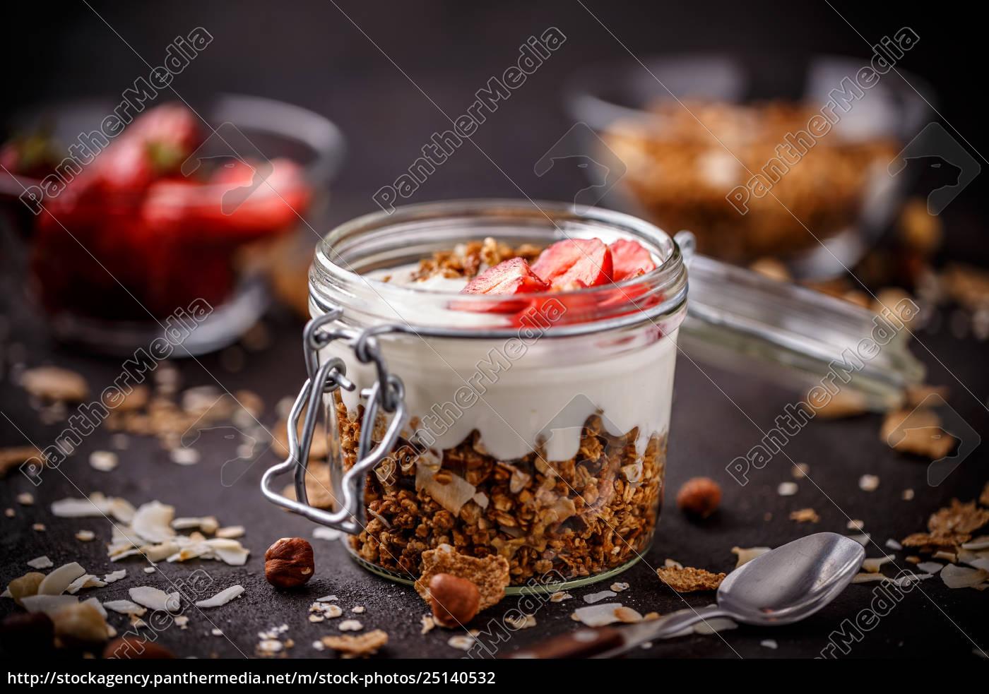 healthy, breakfast, in, a, glass, jar - 25140532