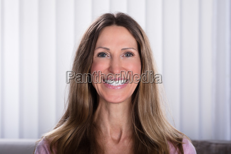 smiling, happy, woman - 25147916