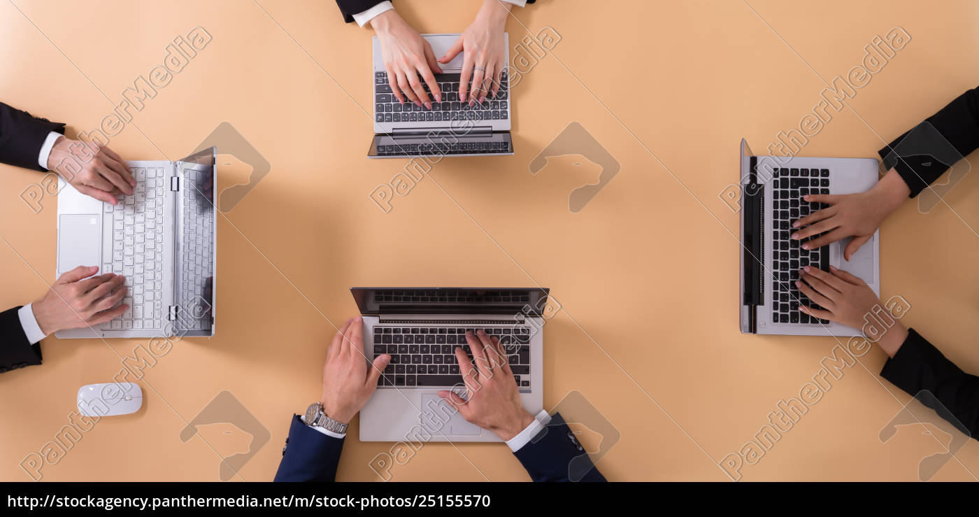 businesspeople, working, on, laptop - 25155570