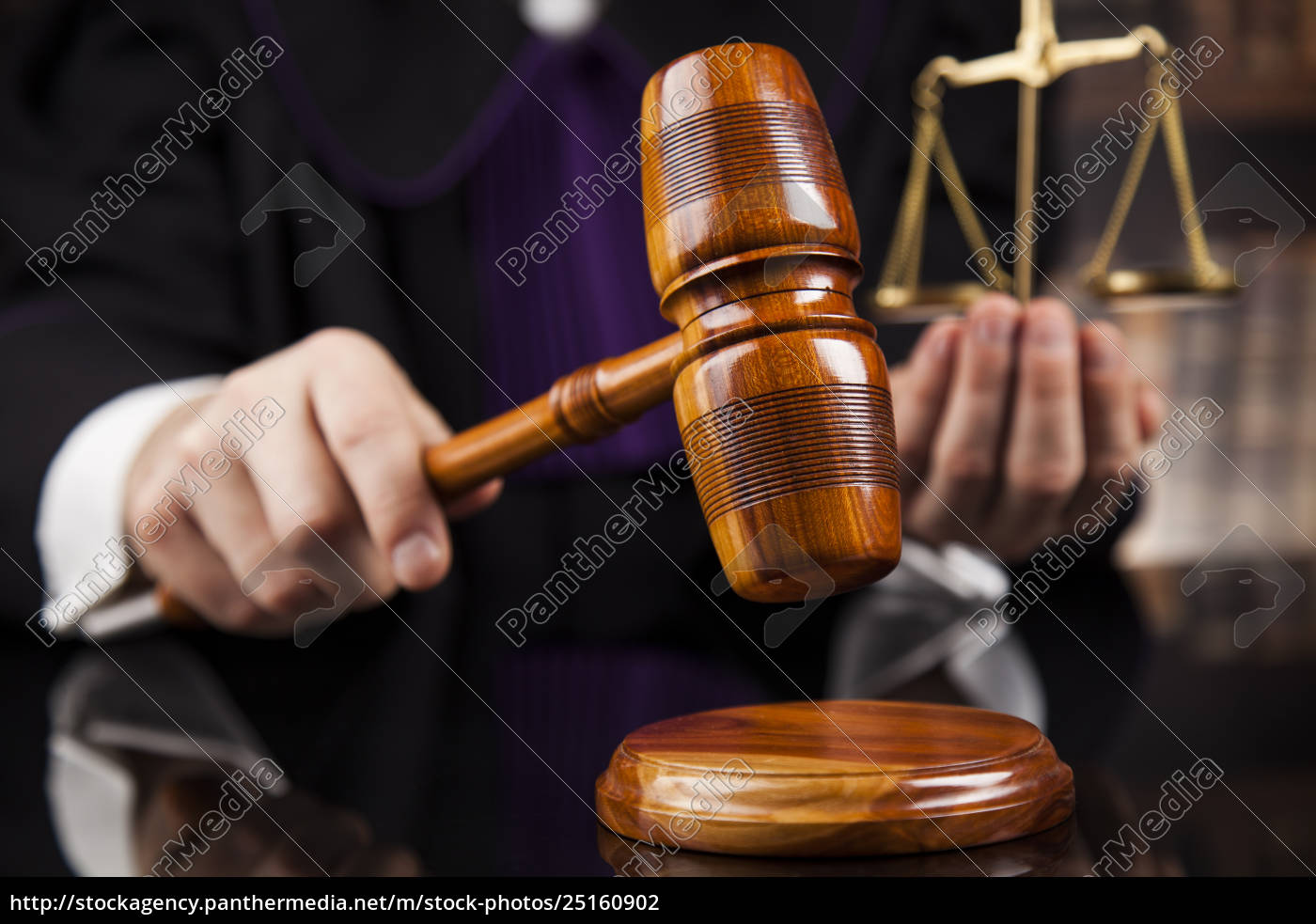 courtroom, , judge, , male, judge, in, black - 25160902