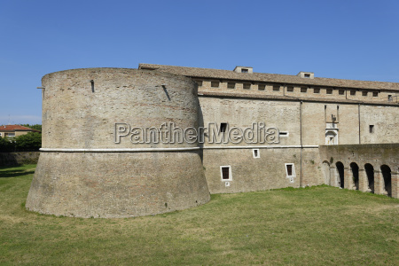 historical sights europe sightseeing wall worth