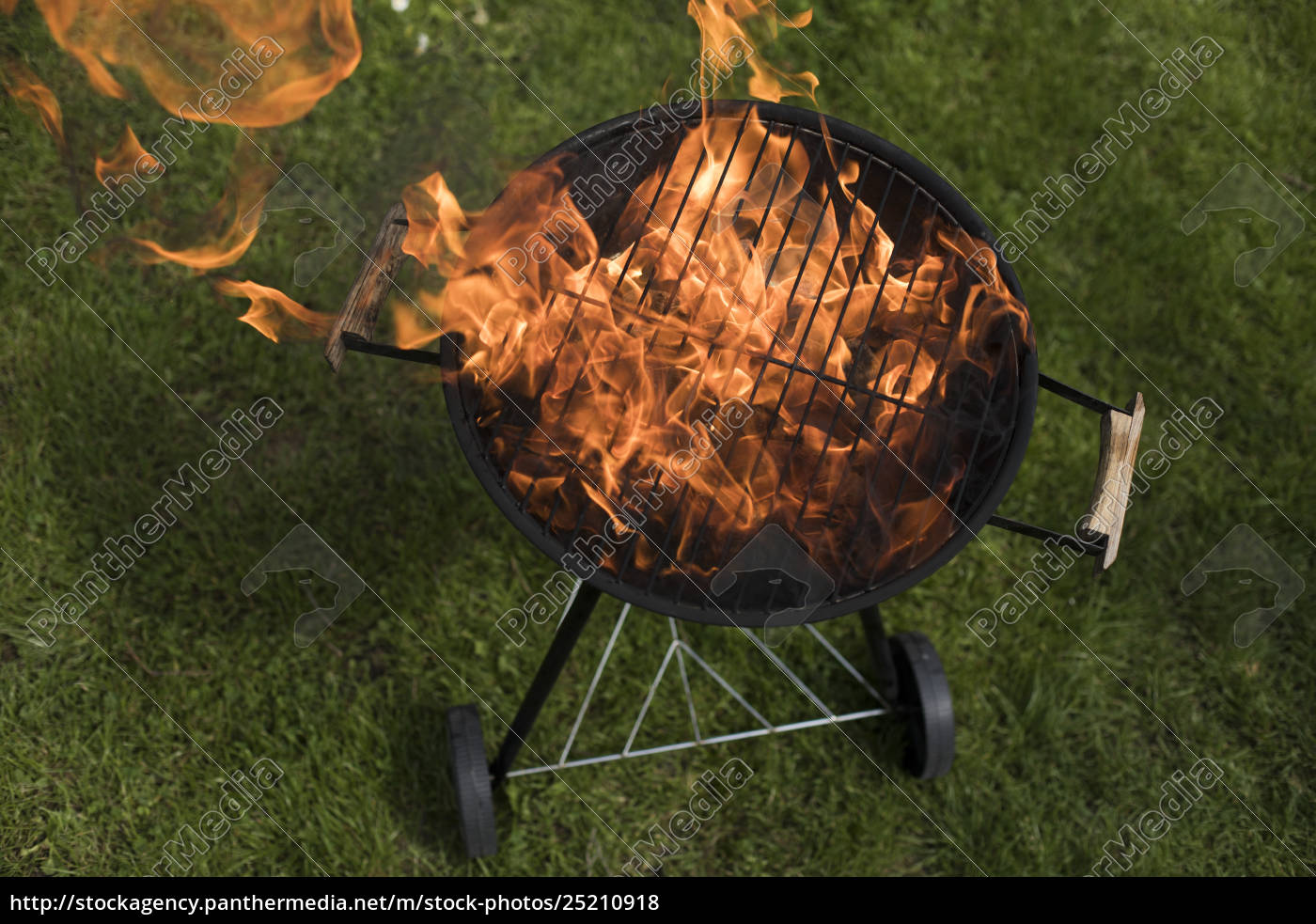 grill, on, the, garden, , barbecue, and - 25210918