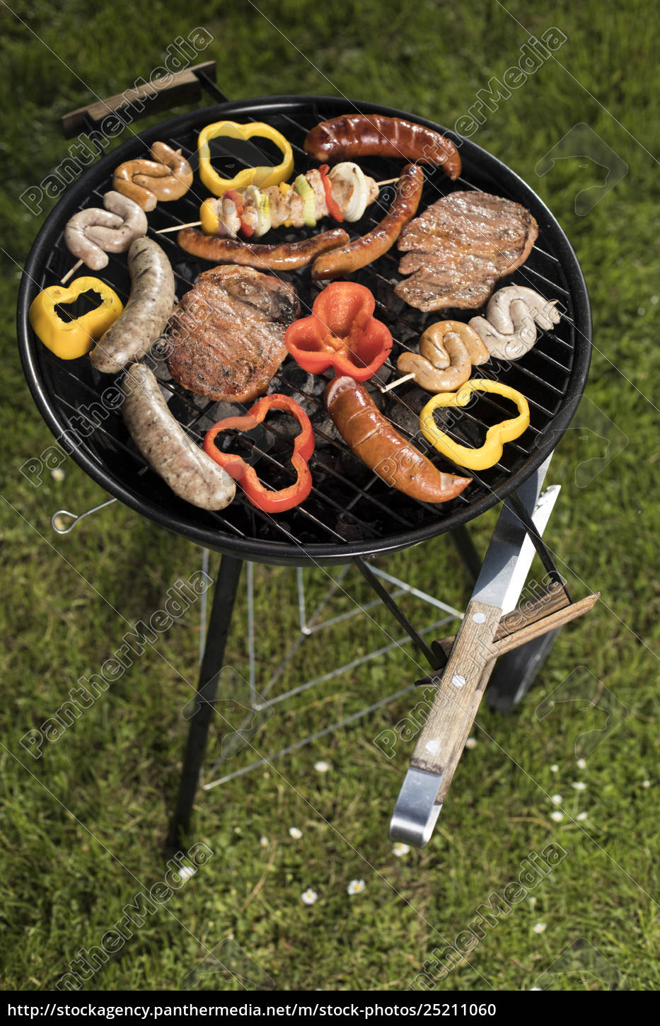 assorted, delicious, grilled, , barbecue, and, fire - 25211060