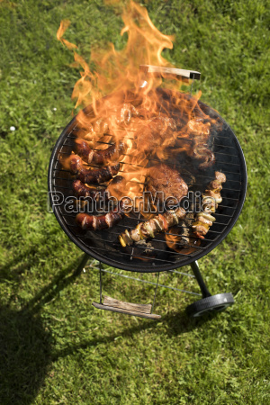 grill, with, red, hot, briquettes, , fire - 25212600