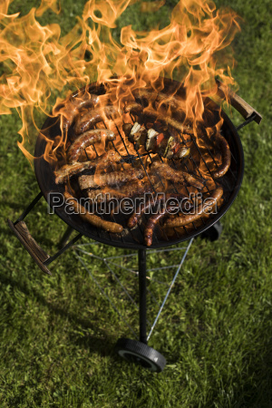 grill, with, red, hot, briquettes, , fire - 25212614
