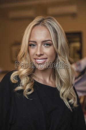 headshot of a beautful young woman