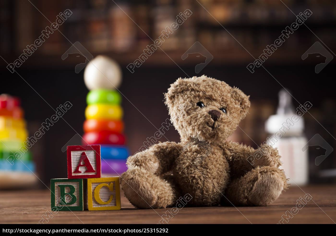 teddy, bear, on, on, vintage, wooden - 25315292