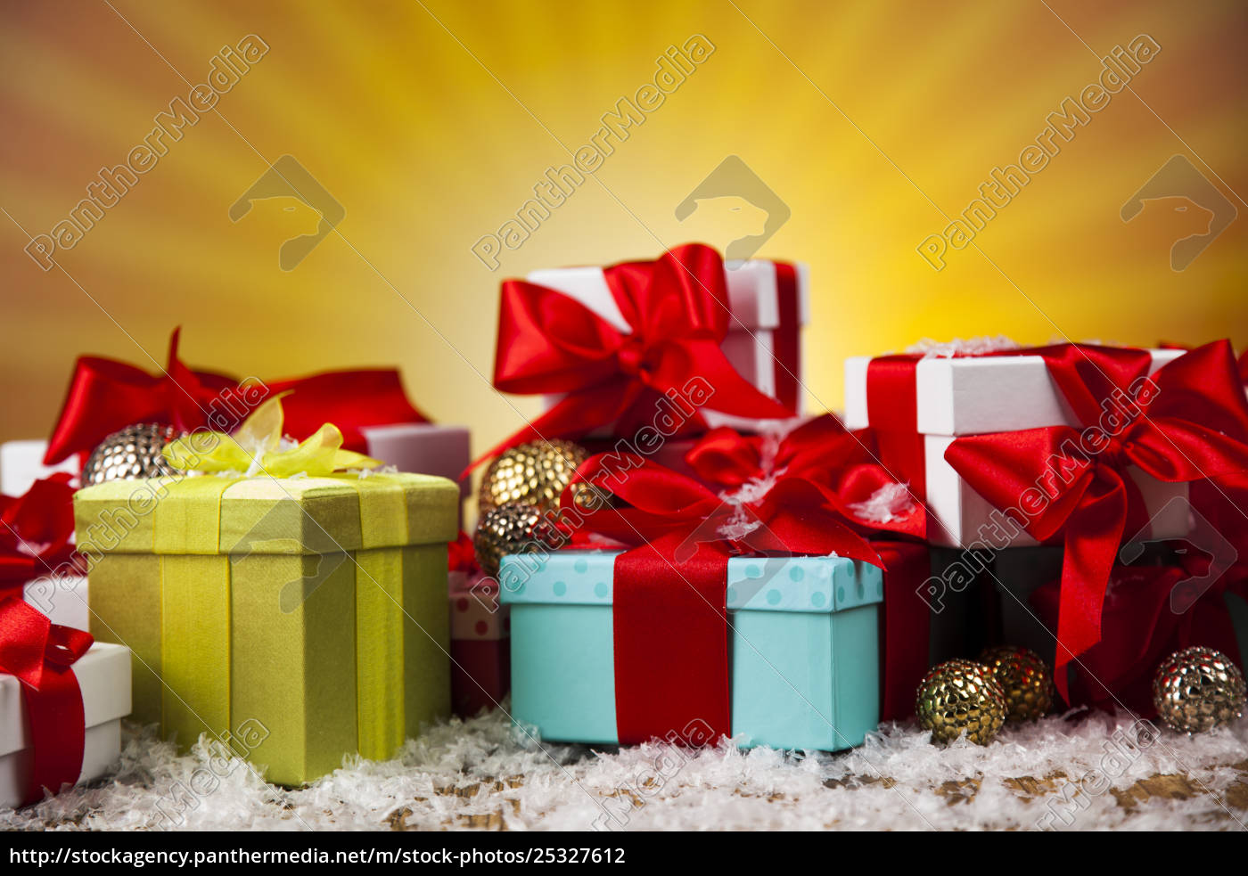 christmastime, celebration, , gift, box, with, red - 25327612