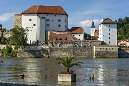 castle veste lower house river danube