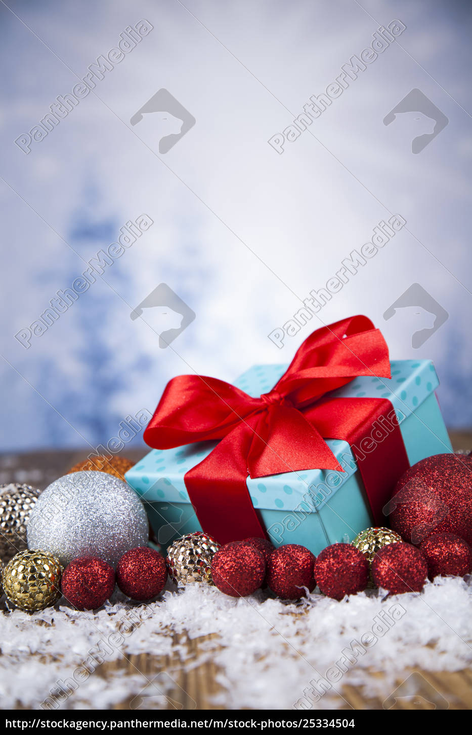 christmas, balls, , gift, box, with, red - 25334504