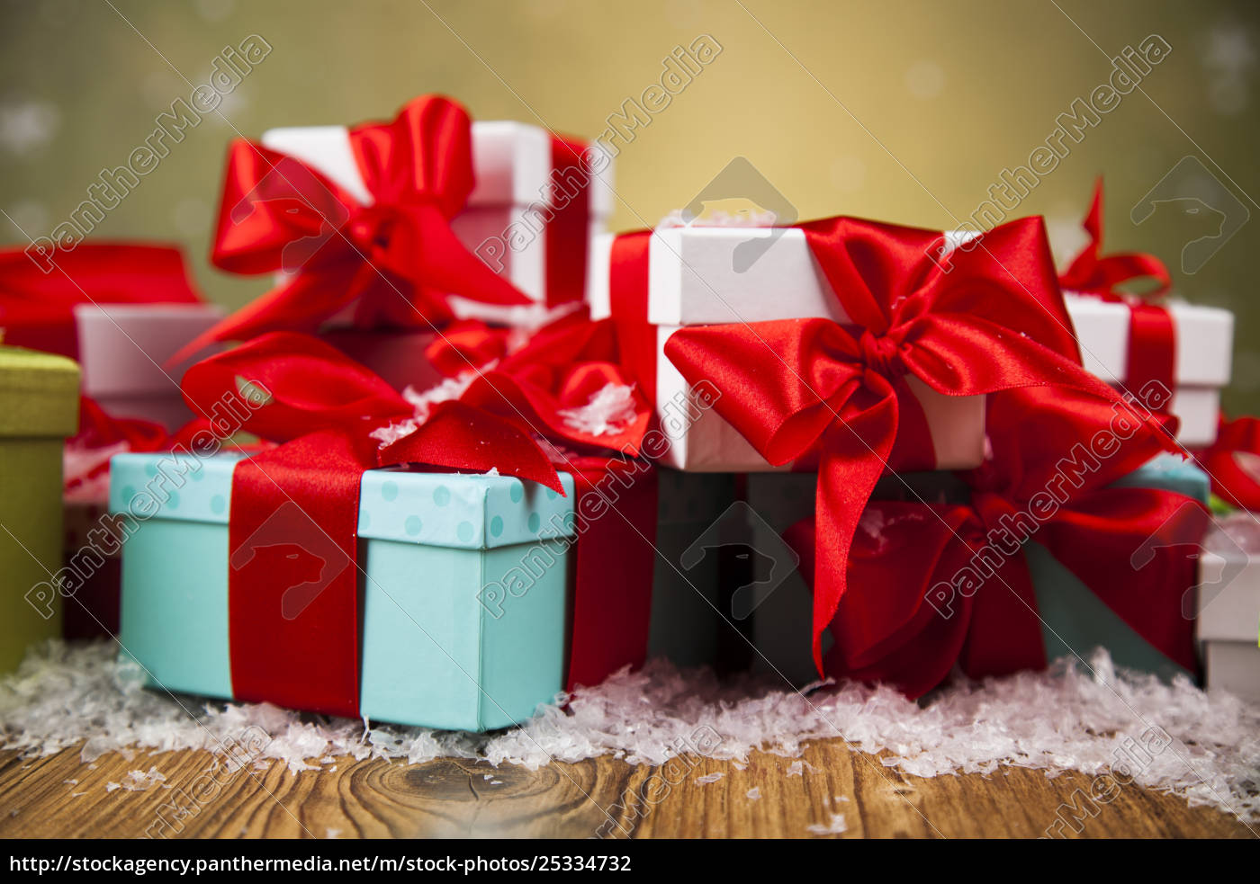 christmas, gift, box, and, balls, on - 25334732