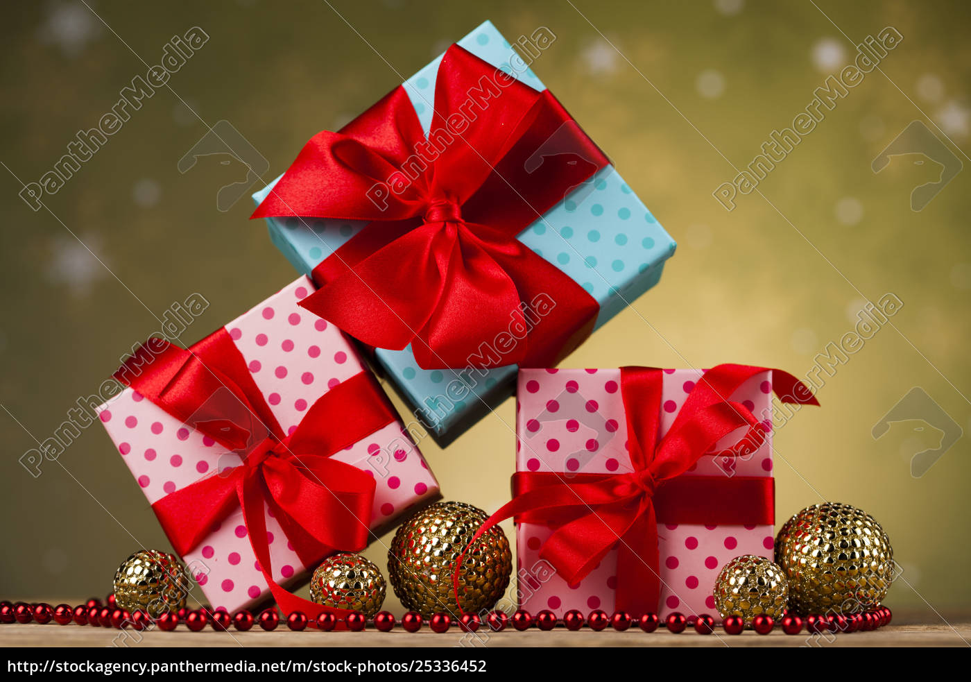 christmas, balls, , gift, box, with, red - 25336452