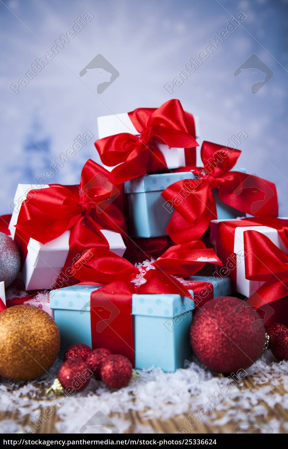 christmas, balls, , gift, box, with, red - 25336624