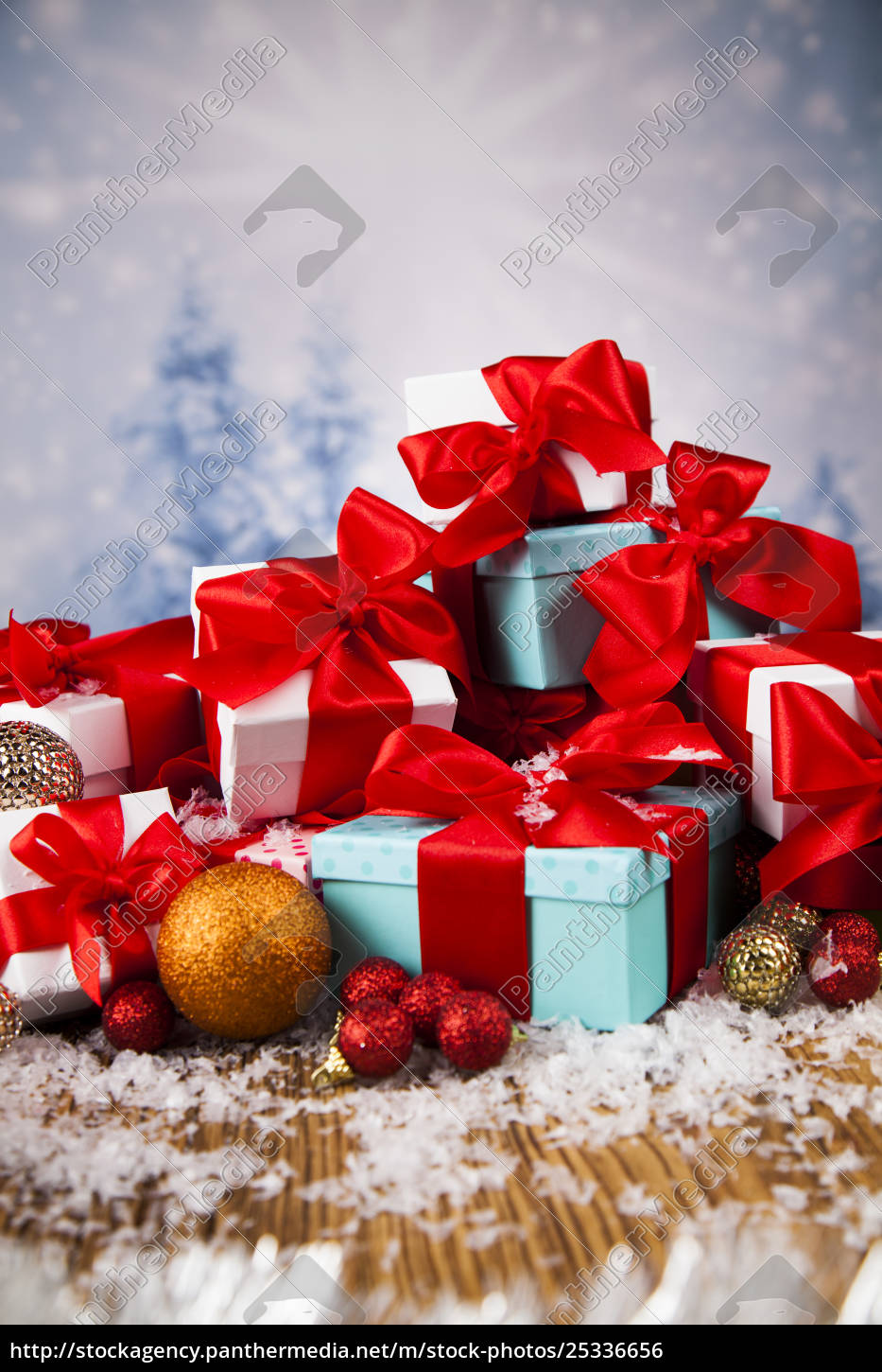 christmas, balls, , gift, box, with, red - 25336656