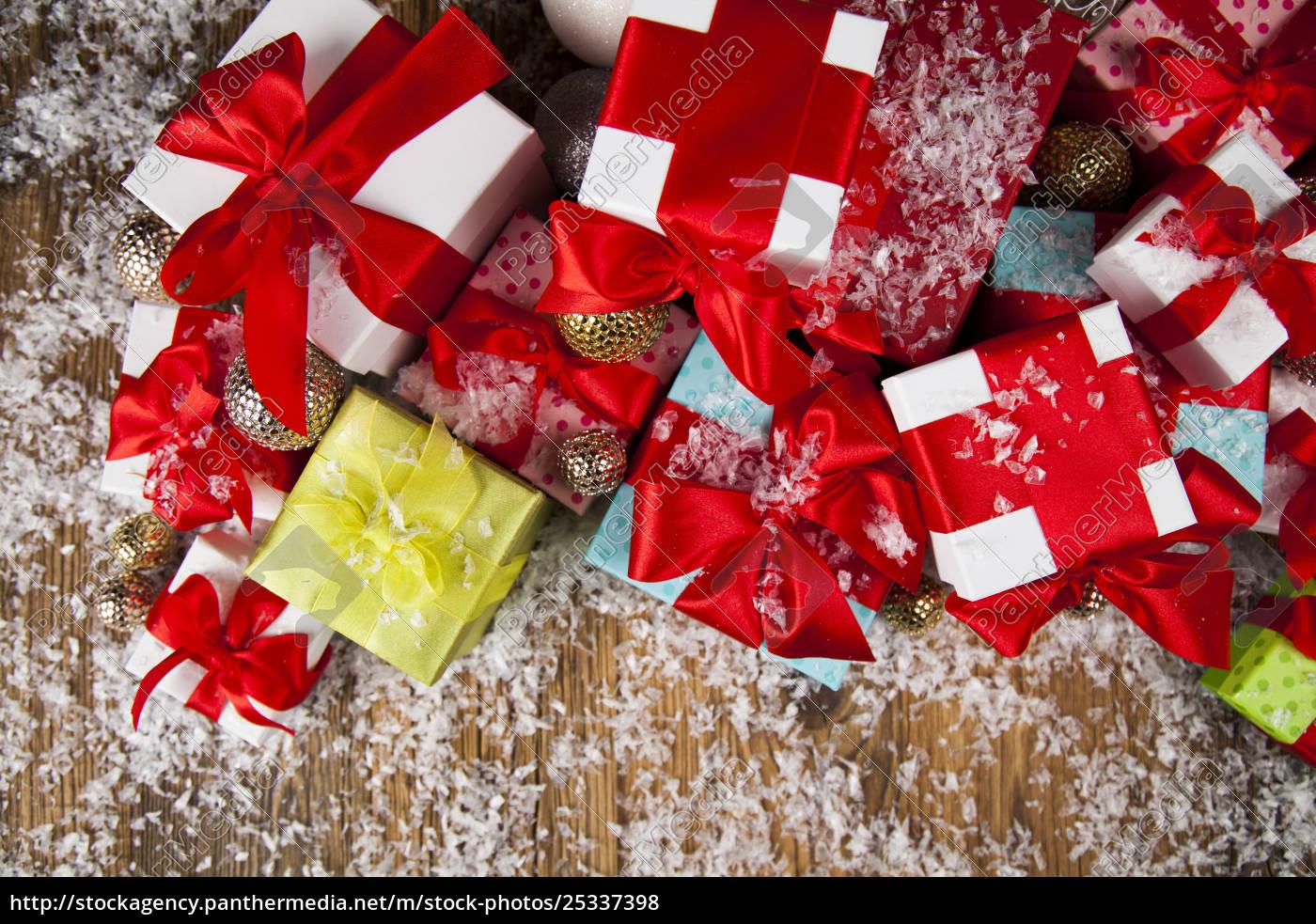 christmas, gift, box, and, balls, on - 25337398