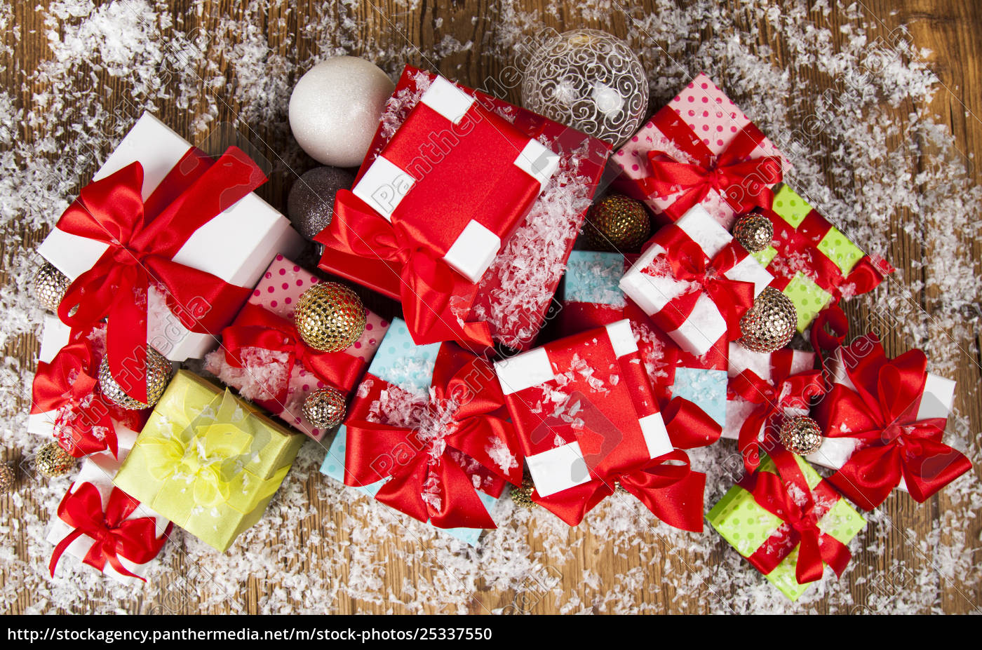 christmastime, celebration, , gift, box, with, red - 25337550
