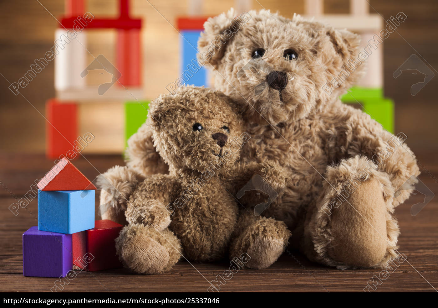 cute, teddy, bears, on, wooden, background - 25337046