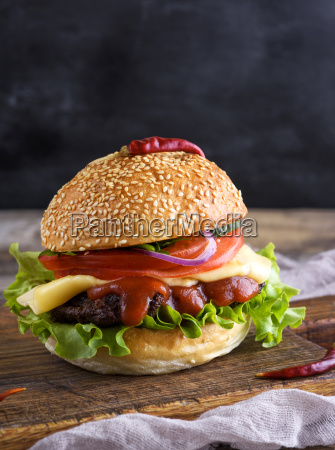 fresh, homemade, burger, with, lettuce, , cheese, - 25337064