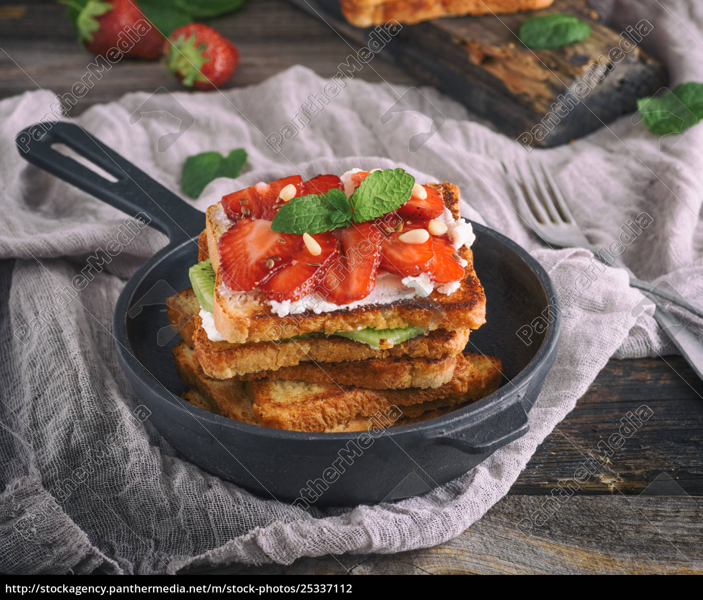 pile, of, french, toast - 25337112