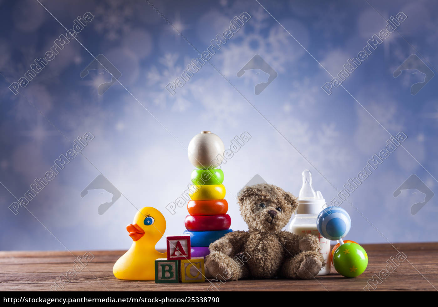 teddy, bear, on, on, wooden, background - 25338790