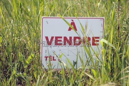 sign indicating that land is for