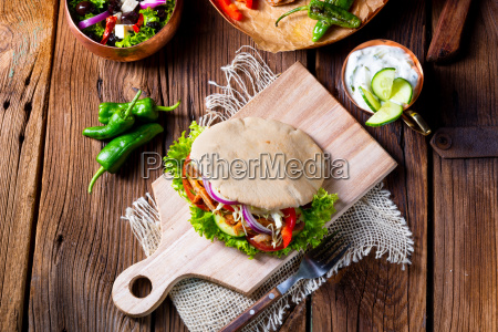 crunchy, pita, with, grilled, gyros, meat. - 25349158