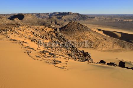 western escarpment of tadrart plateau tassili