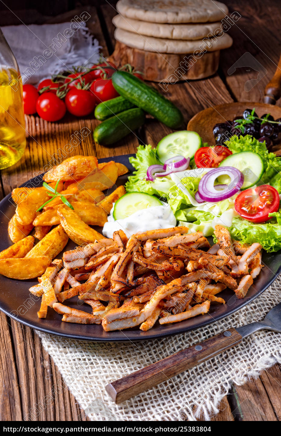 rustic, gyros, plate, with, green, salad - 25383804