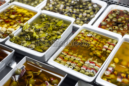 mixed, olive, snacks, in, market, display - 25392788