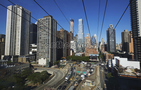 view from roosevelt island tram looking