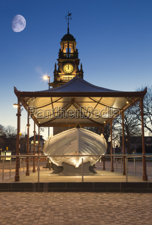 edwardian town hall at dusk with
