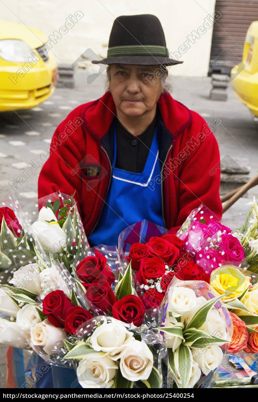 flower, vendor, on, the, plaza, de - 25400254