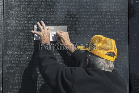 vietnam war veteran volunteer does a