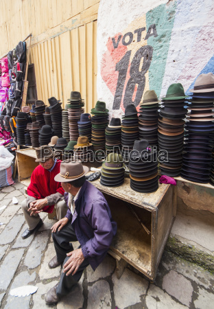 hat, vendor, at, the, thursday, market, - 25403836