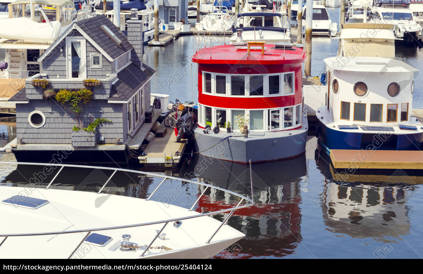 these, modern, tiny, house, boat, homes - 25404124
