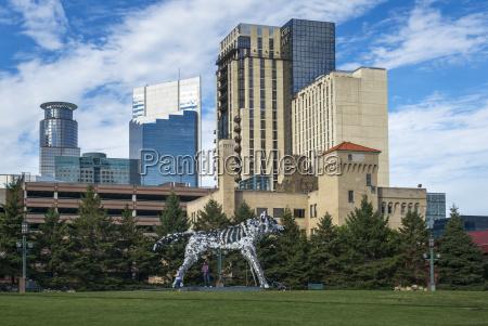 minneapolis convention center wolf sculpture winner