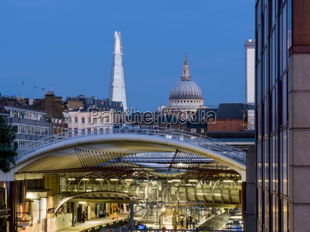 farringdon station the shard and st