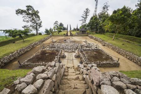 ceremonial platform at candi cetho a