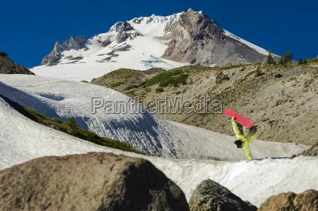 homens homem enorme esporte esportes montanhas