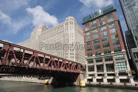 bridge downtown chicago illinois usa