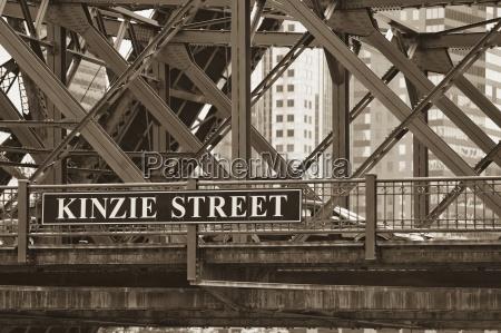 kinzie street bridge chicago illinois usa