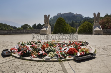 italy wreaths of flowers at the