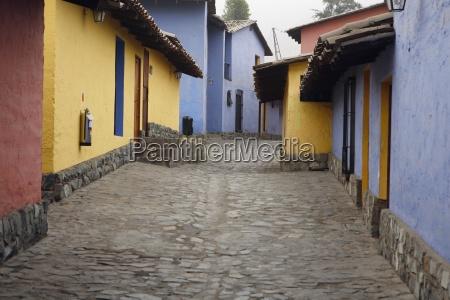 alleyway lima peru