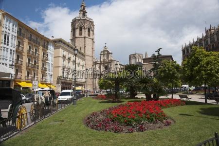 plaza de la reina with a