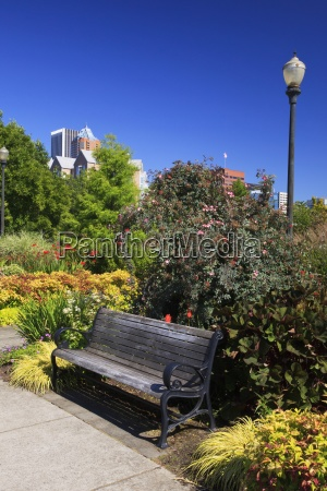 riverplace garden along the portland waterfront